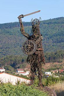 Estatua invasiones vikingas en Galicia