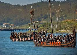 Drakkars en la romeria vikinga de Catoira