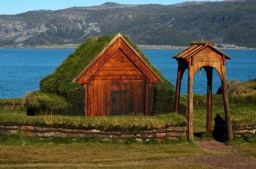 iglesia vikinga de Brattahlid, la posesión de Erik el rojo en Groenlandia